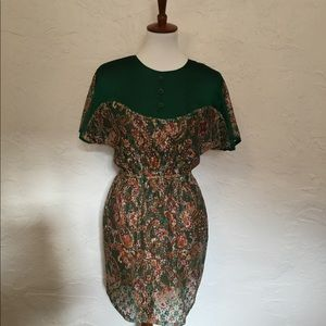Vintage lace dress. Size small.